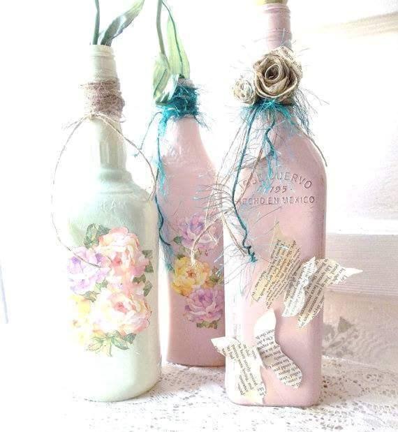 15 ideas para crear centros de mesa con botellas decoradas Adornos con botellas